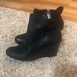 Michael Kors Black wedge booties size 10